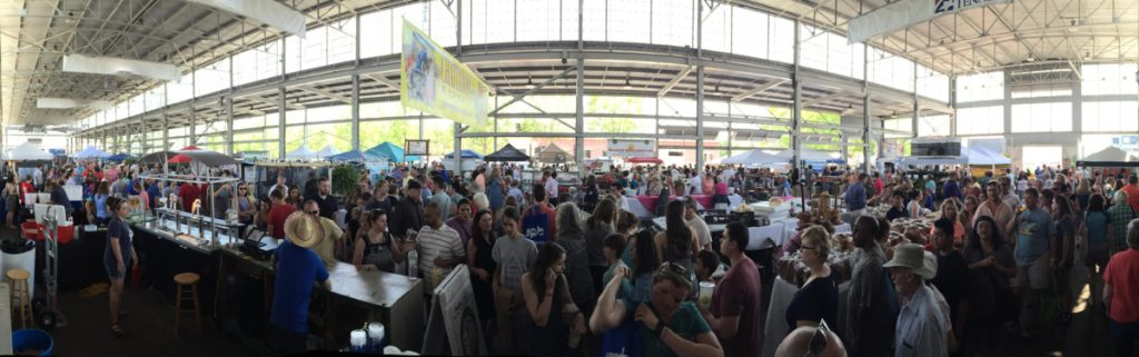 Crowds at Chattanooga Market